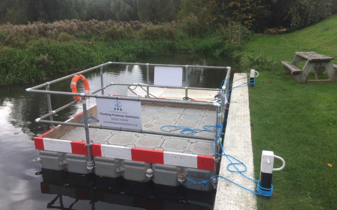 Small Stable Floating Platforms